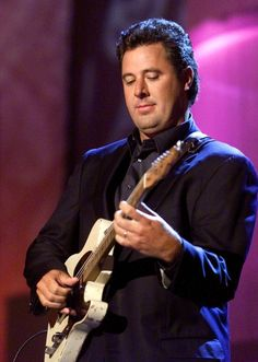 Vince Gill a Country Music singer, author and composer born April Honors & Awards: Academy of Country Music - Country Music - Country Music Hall of Fame Grammy Awards - Nashville Songwriters Hall of Fame Country Music Artists, Country Music Stars, Country Singers, Sound Of Music, Good Music, Live Music, Vince Gill, Country Boys, My Favorite Music