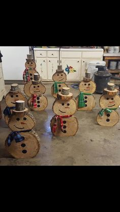 Tree slab snowman