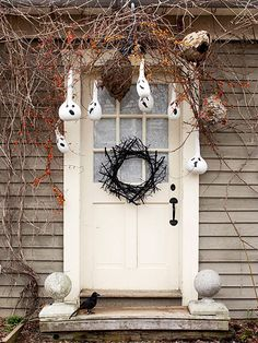 Front Door Halloween Decorating with Gourds! Very cute.