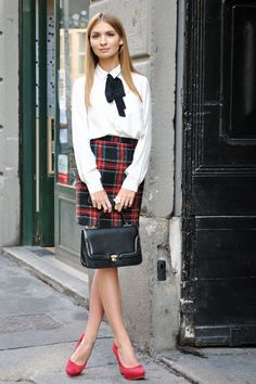 Milan Mode - Discover More Street Style - ELLE. When I was young, I dressed like this. Still love it.