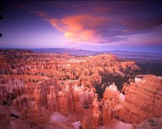 National Park Bryce Canyon - a national park in southwestern #Utah. The main attraction of the park is Bryce Canyon - a huge amphitheater formed by water erosion, wind and ice. The height of the canyon up to 2 700 meters. The park is growing more than 400 species of plants, you can also see the 170 species of birds among them, swallows, swifts, eagles, owls. The park is home to: foxes, badgers, moose, bears and lizards.