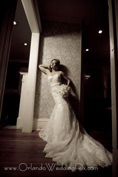 284449eded4 A beautiful vintage bride at the Highland Manor in Orlando.  lacedress   bridalbouquet  vintagewedding  highlandmanororlando  wedinthecity ...