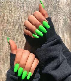 nails neon green / nails neon - nails neon green - nails neon yellow - nails neon pink - nails neon orange - nails neon colors - nails neon sign - nails neon tips Bright Summer Acrylic Nails, Neon Green Nails, Neon Nails, Best Acrylic Nails, Acrylic Nails Green, Acrylic Summer Nails Coffin, Colourful Acrylic Nails, Bright Colored Nails, Matte Nails