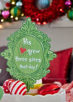 His heart grew three sizes FREE printable sign Grinch Party, Le Grinch, Grinch Christmas Party, Office Christmas, Xmas Party, Holiday Fun, Holiday Movies, Party Party, Holiday Ideas