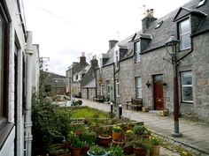 Footdee, a sleeply local village in Aberdeen - Slow Travel Guide to Scotland