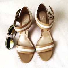 ALEX MARIE dress Sandals (Dillard's) Beautiful Preowned sandals. Can be dressed up or down. Very comfortable fit and a Great price Alex Marie Shoes Sandals