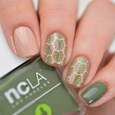 "400 kedvelés, 7 hozzászólás – Fulya (@beautyaddictedd) Instagram-hozzászólása: ""Monstera nails inspired by @hvastogrammm  @shopncla Fairlykale Ending & Sweet As Agave…"""