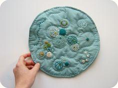 Rachel Hunnicutt: Petri Dish art quilt