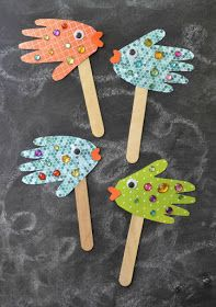 """VBS Craft Ideas – Submerged """"Under the Sea"""" Theme, crafts for kids, easy kids crafts, Ocean Crafts, Beach Themed Crafts, Hawaiian Crafts, Nature Crafts, Daycare Crafts, Fish Crafts Preschool, Kindergarten Crafts, Childrens Crafts Preschool, Preschool Ocean Activities"""