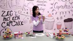 En zo maak je een geweldig, wollig schaapje voor op de cupcake. Ook leuk voor kinderfeestjes!