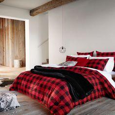 Hunter check duvet cover set | Simons #maisonsimons #simonsmaison #decor #inspiration #homegoal #home #wintercatalogue #promotionnalbrochure #buffalo #plaid #check #chalet #rustic #chic #bedroom #bedding