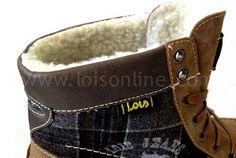 BOTÍN LOIS 81393 CAMEL CHECKERED    Botín de chico camel fabricada en Micro-fibra en contraste con textiles, forro de borrego y plantilla interior de piel. Cabe resaltar el cosido a mano de la puntera para una mayor comodidad evitando costuras internas.