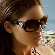 Gucci, the famous Italian fashion brand comes with something new for the spring/summer season. http://www.isunglasses.com/Sunglasses/Gucci