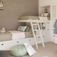 Blog MiDá | Arquitetura e Decoração: Quando duas camas quase ocupam o mesmo lugar num quarto...