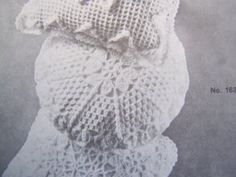 "USA 1 C S Mary Maxim Vintage Crochet Pattern Round Pillow 14""  1634: $5.99"