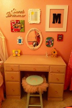 Little Girl Wall Decor and Desk