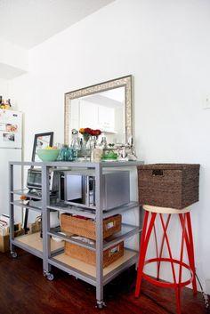 Emily's Tiny Grad School Studio — House Tour | Apartment Therapy