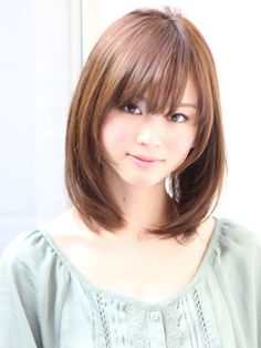 getting my hair done like this tomorrow! Cutting off the last of damaged ends, and then its time to grow it out again :)