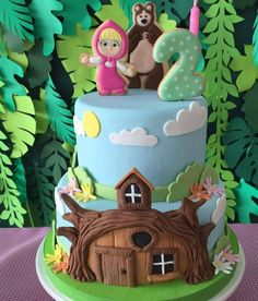 Masha y el Oso Cake #mashaandthebear Picnic Birthday, Bear Birthday, Baby 1st Birthday, Birthday Cake Girls, Masha Et Mishka, Masha Cake, Marsha And The Bear, Tire Cake, Snow White Birthday