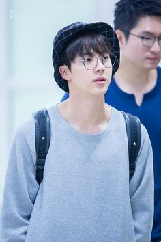 There's something about Jin in glasses that makes my heart melt Seokjin, Namjin, Jikook, K Pop, Kdrama, Hip Hop And R&b, Worldwide Handsome, Bts Jin, Bts Photo