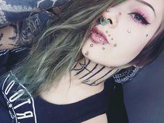 "1,235 Me gusta, 22 comentarios - Sachi the Queen (@sachikoxxs) en Instagram: ""Lonelyyyyy, Bleh. #piercings #tattoo #necktattoo #tattoos #piercedgirls #piercing #greenhair…"""