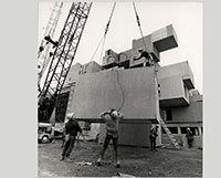 #Habitat67 en construction au chantier d'#Expo67., Novembre 1966