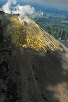 Volcán Karimsky, P. de Kamchatka, Rusia.