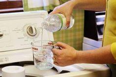 #DICA: Os benefícios do vinagre na lavagem de roupas  1. Cheiro de mofo; 2. Manchas de roupas coloridas; 3. Manchas amareladas de peças brancas; Passo a passo: https://www.facebook.com/ChiquinhaArtesanato