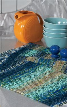 Love this free pattern for loom! Create beautiful handwoven ombre placemats to perfectly match your decor & impress your guests! Weaving Projects, Weaving Art, Weaving Patterns, Loom Weaving, Tapestry Weaving, Hand Weaving, Crochet Placemats, Yarn Thread, Textiles