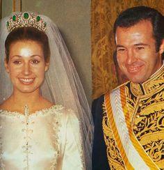 Alfonso, Duke of Anjou and Cádiz married Doña María del Carmen Martínez-Bordiú y Franco on 8 Mar 1972 then divorced 1982