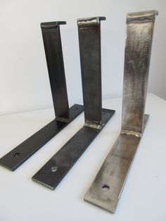 Scaffold boards brackets up to thick boards and from to deep boards made to measure .various sizes available Vintage Industrial Furniture, Metal Furniture, Diy Furniture, Vintage Wood, Shelf Brackets Industrial, Wall Shelf Brackets, Shelf Wall, Masonry Wall, Iron Shelf