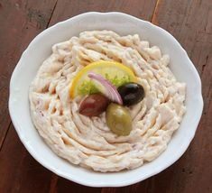 Hummus, Crap, Salad Recipes, Spaghetti, Ethnic Recipes, Food, Homemade Hummus, Meal, Essen