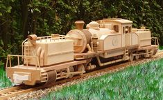 Wooden Toy Model Locomotive made by Roberto Heijmans. Fantastic!