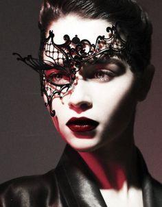 Emilia Clarke #mask #darkredlip