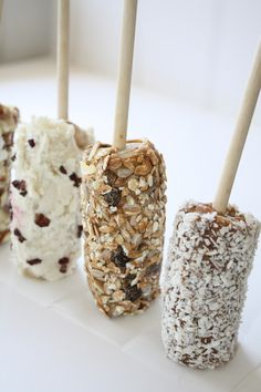 Reasons we love banana pops:   1) vegan friendly, gluten-free, sugar-free! 2) cold, delicious summer treats!  3) low-calorie, fat, and sugar