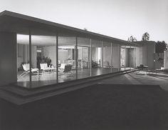 Imagen 4 de 14. Drake House, 1952 Phoenix, AZ / Blaire Drake, architect   © Julius Schulman