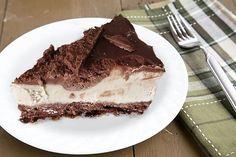 Raw salted caramel & chocolate cheesecake.