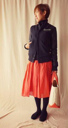 今日は暖かくてありがたい。 ふんわりスカートにスタジャンの甘辛MIXコーデ。  Outer/G-Star RAW Tops/MUJI Bottoms/niko and... Bag/L.L.Bean Shoes/Rose Bud  It is the coordination of black and pink