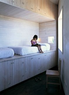 Favorites: Creative Beds for Children japanese built in bed for two with lots of storage underneathjapanese built in bed for two with lots of storage underneath Interior Flat, Interior And Exterior, Interior Design, Kid Beds, Bunk Beds, Creative Beds, Built In Bed, Deco Design, My New Room