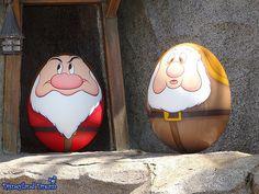 [TDL] Disney's Easter - Egg Hunt in Tokyo Disneyland 2014 Disney Easter Eggs, Carved Eggs, Painted Rocks Kids, Sculpture Painting, Tokyo Disneyland, Egg Art, Craft Night, Pebble Art, Stone Art