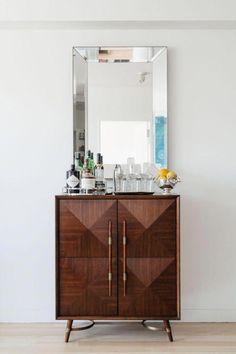 Interior Decorating Plans for your Home Bar – Gold Bar Cart Interiores Art Deco, Bar Console, Home Bar Areas, Gold Bar Cart, Wooden Bar Stools, Bar Cart Decor, Interior Decorating, Interior Design, Bar Furniture