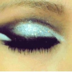I want to do my eye make up like this