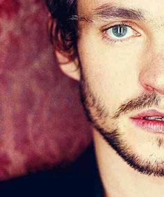 Hugh Dancy as Will Graham in Hannibal Hannibal Cast, Hannibal Tv Series, Beautiful Eyes, Beautiful People, Hugh Dancy, Ella Enchanted, Good Looking Men, Best Actor, Perfect Man