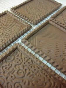 tiles Clay Tiles, Pottery Painting, Terra Cotta, Pottery Ideas, Flooring, Texture, Crafty, Wall, Pattern