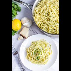 Creamy, dreamy, spaghetti with Lemon Cream Sauce. A delicious but light cream sauce with a fresh citrus twist! A tasty and quick meal, perfect for a busy day. Citrus Sauce Recipe, Lemon Cream Sauce Pasta, Lemon Cream Sauces, Citrus Recipes, Pasta Sauce Recipes, Lemon Pasta, Easy Pasta Recipes, Pasta With Cream Sauce, Beef Recipes