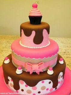Yummy Birthday Cake at http://tastyshare.com/index.php/posts/1-yummy-birthday-cake