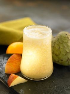 Custard apple, pineapple, apple and orange juice Smoothie Recipes For Kids, Green Smoothie Recipes, Yummy Drinks, Healthy Drinks, Ketogenic Recipes, Keto Recipes, Stevia, Smoothies, Apple Custard
