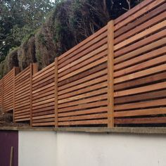 Red Cedar Fence Panels - There's excellent news for garden lovers who wish install and to design a garden fence. Slatted Fence Panels, Wooden Fence Panels, Wooden Fences, Garden Privacy Screen, Garden Fencing, Timber Battens, Wood Slats, Contemporary Fencing, Gardens