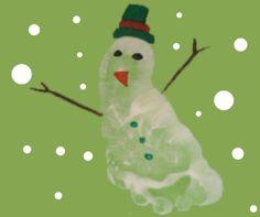 Footprint Snowman Preschool Art Project provided by Misty Slater
