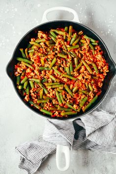 Recipes Ground Turkey Ground Turkey Skillet with Green Beans - Primavera Kitchen Paleo Dinner, Dinner Recipes, Dinner Ideas, Turkey And Green Beans, Clean Eating, Healthy Eating, Skillet Dinners, Green Bean Recipes, Cooking Recipes